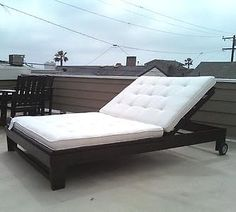 outdoor chaise lounge tutorial. would be great outside by the hot tub.