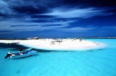 Archipiélago Los Roques - Venezuela: charter a private sailboat and explore the sandbars and tiny uninhabited islands. Vacation Places, Dream Vacations, Vacation Spots, Places To Travel, Travel Destinations, Places Around The World, Oh The Places You'll Go, Places To Visit, Around The Worlds