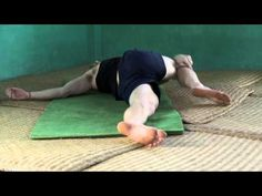 How to Master the Yoga Twist to get better Digestion, relief from IBS