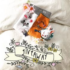 GIVEAWAY CONCOURS SURPRISE Silly Folks'  You are now 100 followers thank you so much! That's means a lot!! We would like to spoil you with this little giveaway  To win : our cute Skippy/ Bobby pins The White Rabbit Tsum Tsum from Alice in Wonderland and The Aristocats cute socks To participate : follow our Instagram Comment this pic in inviting 3 friends  If you want one more chance to win you can repost this picture with the hashtag #sillythings100 and make sure to tag @sillythingspins on…