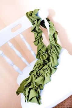 ruffled scarf tutorial and how to sew with elastic on your bobbin