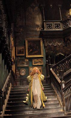 c❍̧venka☥̧ Edith Cushing, Mia Wasikowska, Victorian Gothic, Victorian Homes, Gothic Horror, Gothic Anime, Peak 2015, Gothic Interior, Gothic House
