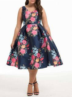 chi chi london curve navy floral dress in 2019 fancy day navy. Plus Size Dresses, Plus Size Outfits, Cute Dresses, Beautiful Dresses, Tunic Dresses, Ivory Dresses, Curvy Fashion, Girl Fashion, Fashion Dresses