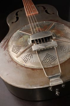 Resonator Guitar.