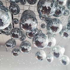 New party disco ball studio 54 Ideas Decoration Disco, Ball Decorations, Wedding Decorations, Wedding Themes, Party Mottos, Girl Thinking, Studio 54, Ceiling Decor, Trendy Wedding
