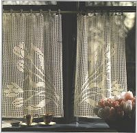 Needle-Works Butterfly: Filet Crochet Curtains - This site offers a chart for each design without instructions. Crochet Curtain Pattern, Crochet Curtains, Easy Crochet Patterns, Crochet Designs, Crochet Doilies, Floral Curtains, Cafe Curtains, Filet Crochet Charts, Free Crochet
