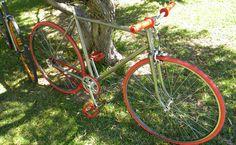 Singlespeed Peugeot vert anis des années 70 Peugeot, Bicycle, Urban Bike, Red, Bike, Bicycle Kick, Bicycles