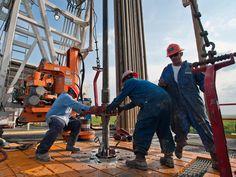 Schlumberger vai dispensar nove mil trabalhadores a nível global incluindo em Angola http://angorussia.com/noticias/angola-noticias/schlumberger-vai-dispensar-nove-mil-trabalhadores-a-nivel-global-incluindo-em-angola/