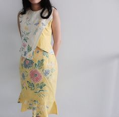 Batik pekalongan Batik Kebaya, Kebaya Dress, Blouse Batik, Batik Dress, Batik Fashion, Ethnic Fashion, Mode Batik, Dress Shirts For Women, Clothes For Women