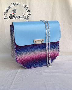 GEOMETRIC+BAG:+borsa+a+tracolla+in+lana+con+patella+in+ecopelle+colore+del+cielo+:+Borse+a+tracolla+di+bags-dream-team