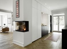 Form 2 White And Blackstained Oak | Sola Kitchens