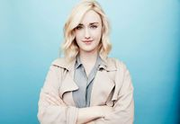 Picture of Ashley Johnson Ashley Johnson Blindspot, Photography Women, Portrait Photography, Blindspot Tv, Military Salute, Chic Business Casual, Jaimie Alexander, Best Series, Games