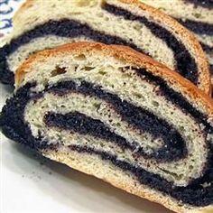 Gâteau roulé aux graines de pavot (makotch) @ http://allrecipes.fr