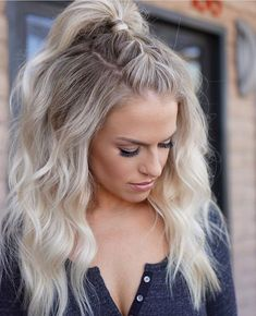 delicate summer hair color for brunettes balayage 2019 have a look! page 38 - Haar und beauty - Rehearsal Dinner Hair, Rehearsal Dinners, Lange Blonde, Pretty Hairstyles, Open Hairstyles, Hairstyles 2018, Casual Hairstyles, Long Blonde Hairstyles, Concert Hairstyles