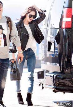 GET THE LOOK : SNSD Girls' Generation Yoona Airport Fashion Incheon 150918 http://flatshoesforme.blogspot.com