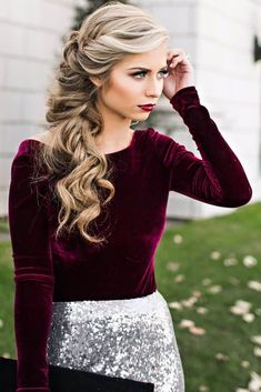 Great 18 Elegant Hairstyles for Prom: . Side Swept Loose Braid The post 18 Elegant Hairstyles for Prom: Side Swept Loose Braid… appeared first on Amazing Hairstyles . Wedding Hair And Makeup, Hair Makeup, Hair Wedding, Makeup Hairstyle, Wedding Hair Styles, Winter Wedding Makeup, Casual Wedding Hair, Wave Hairstyle, Dupe Makeup