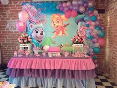Paw patrol party for girls - Trend Today : Your source for the latest trends, exclusives & Inspirations Girl Paw Patrol Party, Sky Paw Patrol, Paw Patrol Birthday Girl, Skye Paw Patrol Cake, Paw Patrol Everest, Paw Patrol Balloons, Paw Patrol Birthday Decorations, Birthday Parties, 3rd Birthday