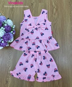 Frocks For Girls, Dresses Kids Girl, Kids Outfits, Toddler Fashion, Kids Fashion, Kids Nightwear, Fajardo, Baby Dress Patterns, Pakistani Dress Design