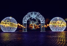 christmas lights.   facebook.com/snapshopped snapshopped.com…   Matthias Dengler   Flickr Christmas Arch, Christmas Tree Decorations, Christmas Lights, Xmas, Table Decorations, Template, Backdrops For Parties, Party, Display