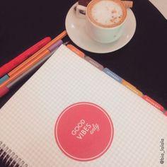 A melhor forma de começar a semana: Café, Planos e Good Vibes!  #meudailyplanner  #dailyplanner #plannergirl #paperview_papelaria