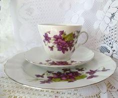 ♔ Sammelgedeck Veilchen Winterling ♔ von *Cafe-Antique* auf DaWanda.com