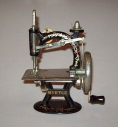OLD ANTIQUE VTG Ca 1920's MYRTLE MINIATURE TOY SEWING MACHINE