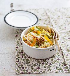 Salade d´endives et carottes, sauce aux noix