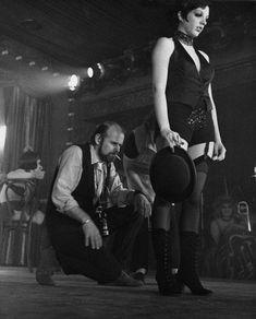 """Bob Fosse directs Liza Minnelli in """"Cabaret"""", 1972."""