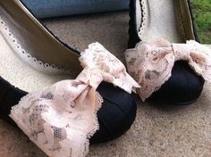 Big Beautiful Vintage Lace Nude Bridal Bow by CherryBlosomBoutique, $15.95