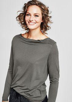 Viskose-Shirt mit Inside-Out-Blende von s.Oliver. Entdecken Sie jetzt topaktuelle Mode für Damen, Herren und Kinder und bestellen Sie online.