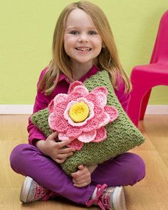 Free Crochet Pattern Spring Fling Pillow From RedHeart.com