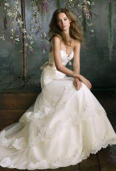Brides: Tara Keely