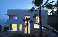 Recovery of a residence on the sea by MUHER 34
