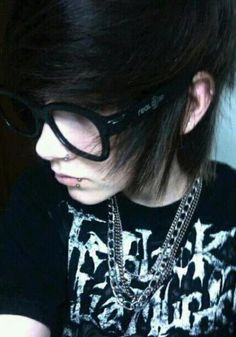 xx>>>I KNOW THIS GUY. His name was Jesse. R.I.P. Jesse...your girlfriend is really sad you left without saying goodbye.