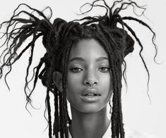 Willow smith is best friends with her hair Willow Smith, Pretty People, Beautiful People, Shave Her Head, Transitioning Hairstyles, Hair Tools, Drawing People, Illustrations, Pretty Woman