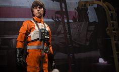 Star Wars Luke Skywalker: Red Five X-wing Pilot Sixth Scale Figure: sideshowtoy.com
