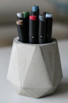 Stiftebecher/Vasen aus Beton