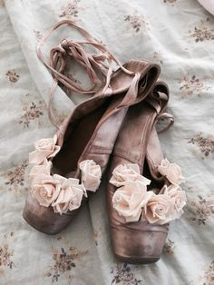 Vintage old pink well worn ballet slippers millinery rose flower shoes pointe antique french lace ladies women shabby french nordic chic dis