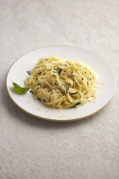 Spaghetti, Ethnic Recipes, Food, Lemon, Essen, Meals, Yemek, Noodle, Eten