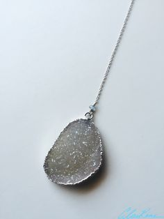#lariat #lariatnecklace #handmadenecklace #necklace #druzynecklace #silvernecklace #handmadejewelry #jewelry #druzy #druzypendant #labradorite #silver #sterlingsilver