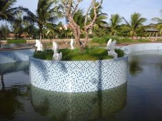 Fish fountain in white marble.  Pls contact danang.marble@gmail.com or danangmarble.com.vn for order or more information.