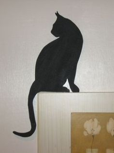 Cat looking back silhouette for picture or door topper - Rustic Crafts