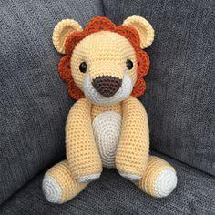 Laurence the Lion Amigurumi Pattern