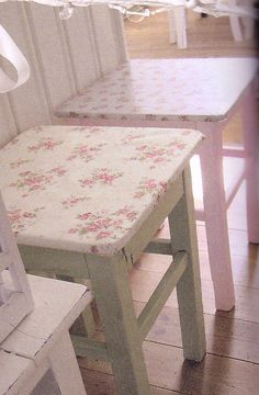 holy crap!  i'm seeing visions of flannel/cabin decor patterns on my kitchen island stools!