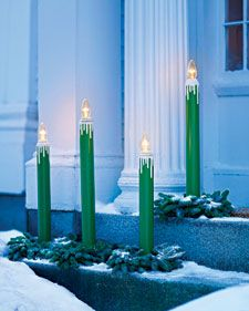 12 Outdoor Christmas Decorations to Make Your Home Festive and Bright Outdoor Candle Lamps Christmas Candle Decorations, Hanging Christmas Lights, Decorating With Christmas Lights, Christmas Candles, House Decorations, Outside Decorations, Christmas Tree Painting, Christmas Yard, Christmas Love