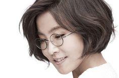 K-Pop Legend Lee Sun Hee Breaks 5-Year Hiatus & Tops K-Pop Hot 100 | Billboard