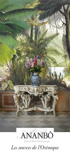 wall mural and console table Estilo Tropical, Interior And Exterior, Interior Design, British Colonial, Tropical Decor, Tropical Interior, Wall Wallpaper, Scenic Wallpaper, Wall Treatments