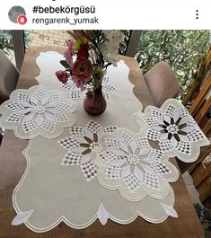 Tree Skirts, Christmas Tree, Table Decorations, Holiday Decor, Crochet, Furniture, Instagram, Home Decor, Chef Recipes