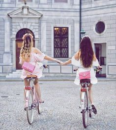 Maika and tooba😍 Bff Images, Best Friend Photography, Bff Drawings, Videos Instagram, Artsy Photos, Best Friend Pictures, Girly Pictures, Cute Friends, Best Friend Goals