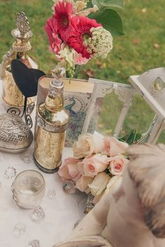 Metallic & Blush Vintage Tablescape Wedding Inspiration | Confetti Daydreams - Tablesetting with metallic, silver and vintage decor with fresh flowers ♥ #Metallic #Blush #Vintage #Tablescape #Wedding #Inspiration